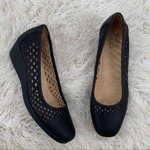 Naturalizer Black Wedge Brina Shoe Size 8M